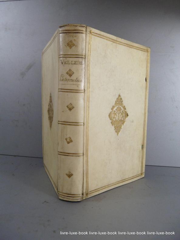 livre luxe book