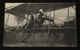Carte postale ancienne : Grande semaine d'aviation de Lyon - Legagneux et Mme Henriot sur son Biplan Sommer. Collectif