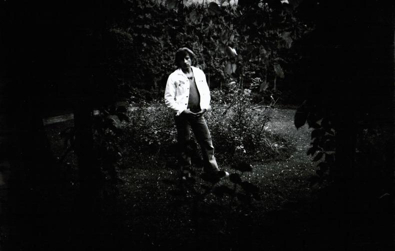 """[Photographie originale] Roman Polanski pendant le tournage de """"Che ?"""" (""""Quoi ?""""), 1972, photographié par Jean-Michel Folon. [Polanski, Roman] - ..."""
