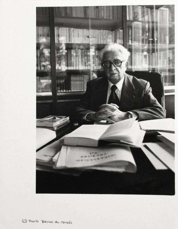 Portrait photographique de Fernand Braudel par Bruno de Monès (tirage vintage signé). [Braudel, Fernand (1902-1985)] - Monès, Bruno de (né en 1951)