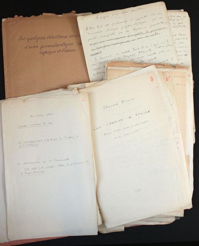 """[Manuscrits autographes et tapuscrits en partie inédits, éléments de maquette] Projet de livre sur la psychanalyse (""""Les Jardins de Psyché"""") et ..."""