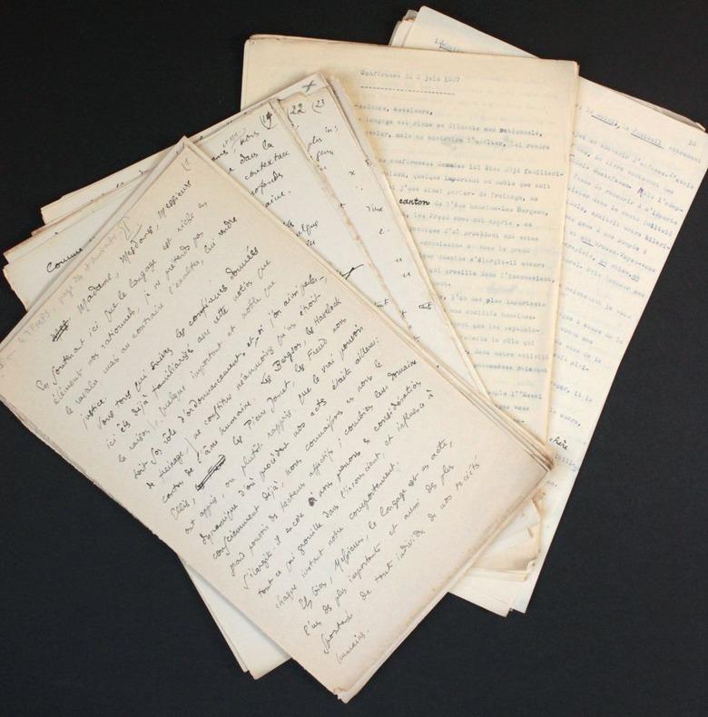 """[Manuscrit autographe inédit et tapuscrit] """"Les éléments non rationnels du langage"""", conférence à la Sorbonne (amphithéâtre Michelet) le 2 juin 1927. ..."""