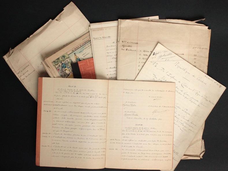 [Manuscrits autographes inédits] Archives de la République du Cochon. Pichon, Edouard (1890-1940, médecin, psychanalyste et grammairien français) - ...