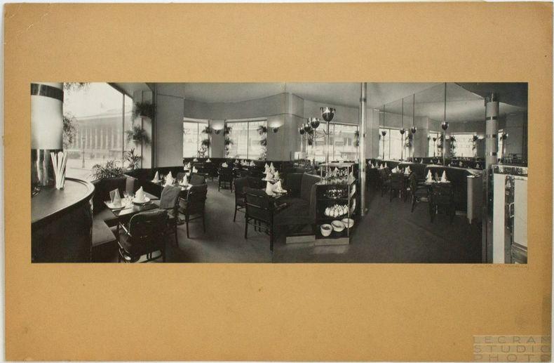 """[Photographie originale signée] : Intérieur du bar automatique """"Presto"""", place de la Bourse à Paris (architecte : Otto Bauer), vers 1930. Vigneau, ..."""