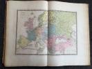 ATLAS HISTORIQUE UNIVERSEL composé d'une suite de cartes géographiques et de tableaux chronologiques et généalogiques destiné à faciliter la lecture ...
