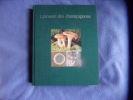 Larousse des champignons. Claude Moreau