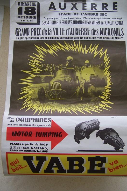 AFFICHE: Grand Prix de la Ville d'Auxerre des MICROMILS et les DAUPHINES dans une épreuve de MOTOR JUMPING. Dimanche 18 Octobre Stade de l'Arbre Sec.. ...