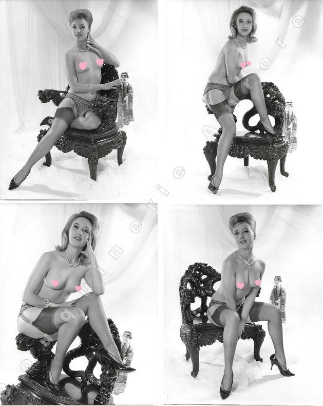 Belle bourgeoise aux seins nus assise dans un fauteuil asiatique.4 Photographies originales en tirage argentique.. Fonds de la célèbre revue de Charme ...