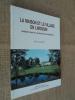 La maison et le village en Limousin. Habitat rural et communauté paysanne.. ROBERT Maurice