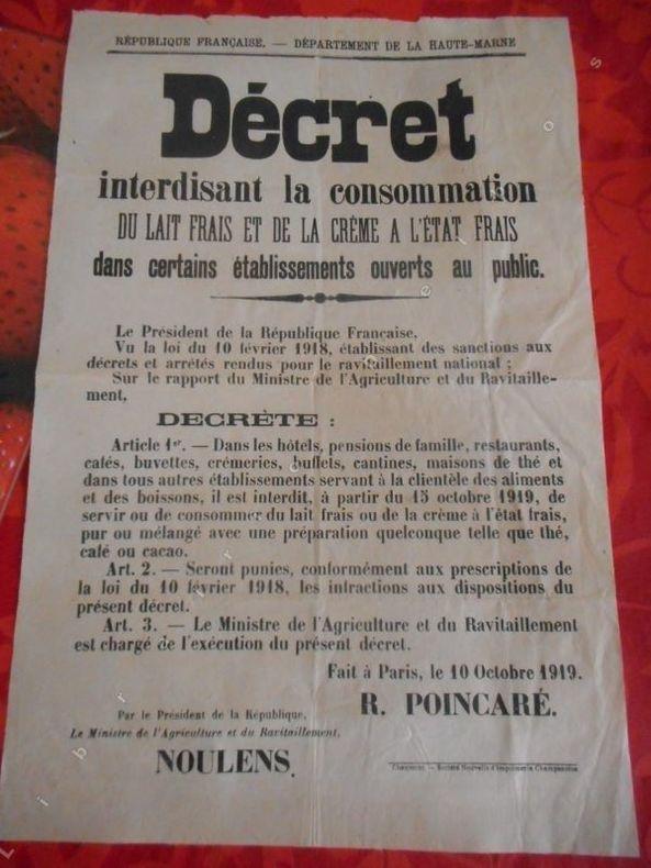 Haute-Marne - Decret interdisant la consommation de lait frais et de la creme a l'etat frais ... . Anonyme