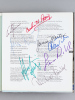 Jahrbuch der Bayerischen Staatsoper 1993 / 94   [ copy signed by with numerous performers ]. Collectif