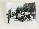 Photographie du Général de Gaulle passant en revue les troupes françaises à Bordeaux, Cours du Chapeau Rouge, le 17 septembre 1944. Anonyme