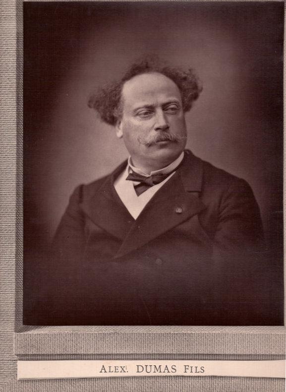 Alexandre DUMAS Fils. Photographie 238 x 190 mm., montée sur bristol décoré. Cliché FONTAINE..