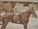 Photographie argentique ancienne représentant un cavalier sur son cheval. JAPON. . [ANONYME]
