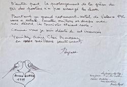 Lettre de Raymond Peynet illustrée d'un couple de tourtereaux.. Raymond Peynet (1908-1999) Dessinateur humoristique, célèbre pour avoir créé, en 1942, ...