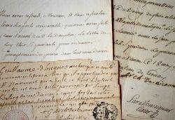 Quatre lettres de l'archevêque de Vienne, Guillaume d'Hugues.. Guillaume d'Hugues (1690-1774) Evêque de Nevers puis archevêque de Vienne (1751/1774).