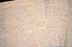 Giovanni Papini présente son Dante vivant.. Giovanni Papini (1881-1956) Ecrivain satirique italien.