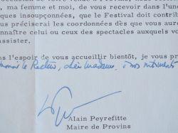 Alain Peyrefitte annonce la création d'une pièce de Claudel au festival de Provins.. Alain Peyrefitte (1925-1999) Homme politique, écrivain et ...