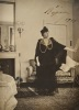 Photo signée de Réjane. Gabrielle-Charlotte (Réju) Réjane (1856-1920) Comédienne. Epouse de Porel. Elle dirige le Théâtre-Réjane qui deviendra le ...
