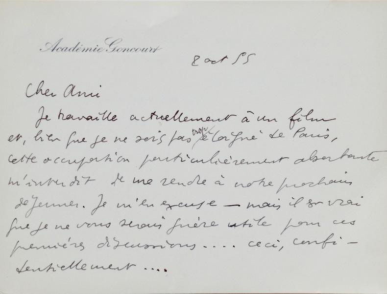 """Raymond Queneau absorbé par le prochain film de Buñuel.. Raymond Queneau (1903-1976) Auteur associé au mouvement surréaliste. Si le père de """"Zazie"""" ..."""