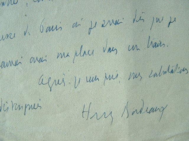 Henry Bordeaux remet les documents nécessaires.. Henry Bordeaux (1870-1963) Romancier, critique littéraire, académicien (1919). Avocat de formation, ...