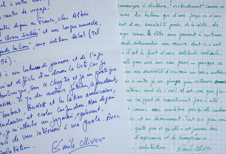 Deux belles lettres de l'écrivain haïtien Émile Ollivier. Émile Ollivier (1940-2002) Écrivain dorigine haïtienne. Professeur émérite de l'Université ...