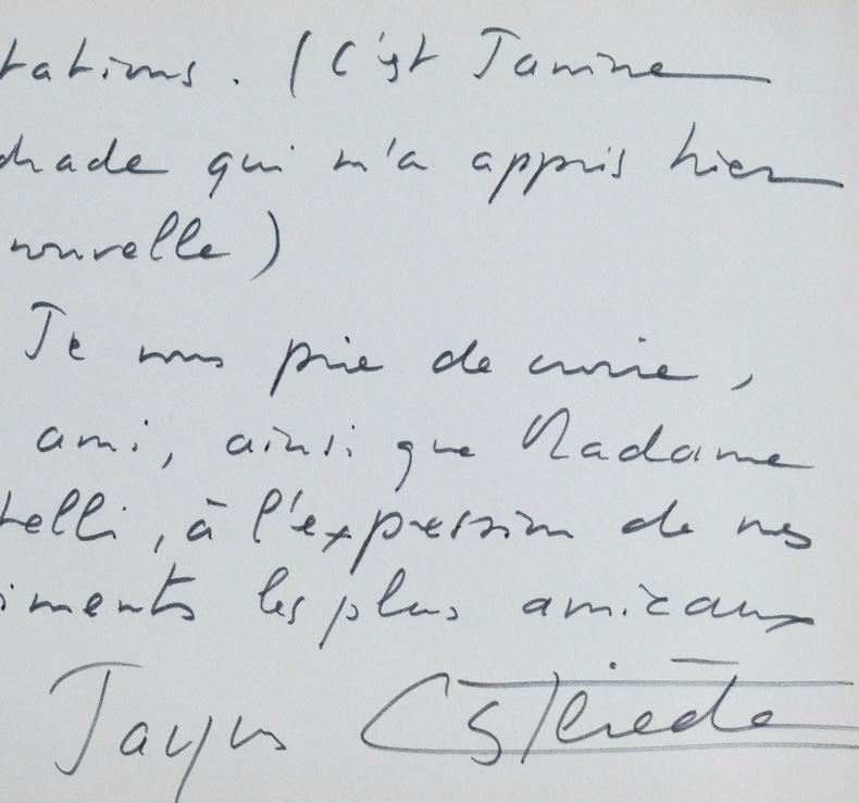 Jacques Castérède félicite Martelli pour l'obtention d'un prix. Jacques Castérède (1926-2014) Compositeur et pédagogue français.