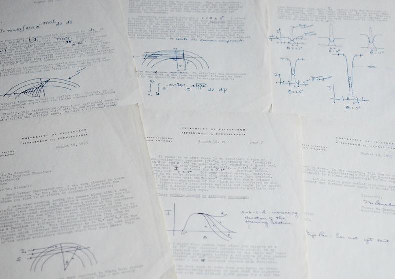 Longue lettre scientifique de l'astronome américain T. M. Donahue. Thomas Michael Donahue (1921-2004) Physicien et astronome américain.
