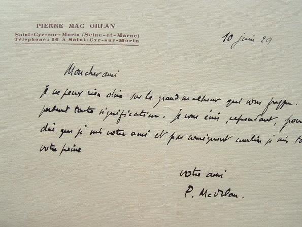 Pierre Mac Orlan réconforte son ami.. Pierre Mac Orlan (1882-1970) Poète et romancier, auteur de Quai des brumes. Membre de l'Académie Goncourt.
