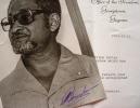 Portrait photographique signé du président du Guyana, Forbes Burnham.. Forbes Burnham (1923-1985) Président du Guyana de 1980 à 1985.