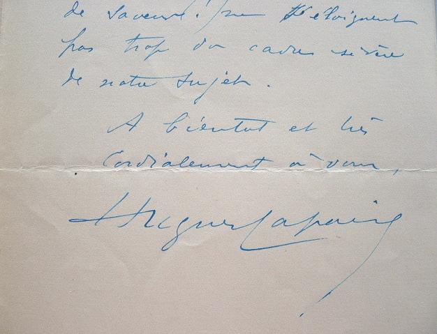 Hugues Lapaire s'attèle à des contes rabelaisiens.. Hugues Lapaire (1869-1967) Romancier berrichon, conteur et critique littéraire.