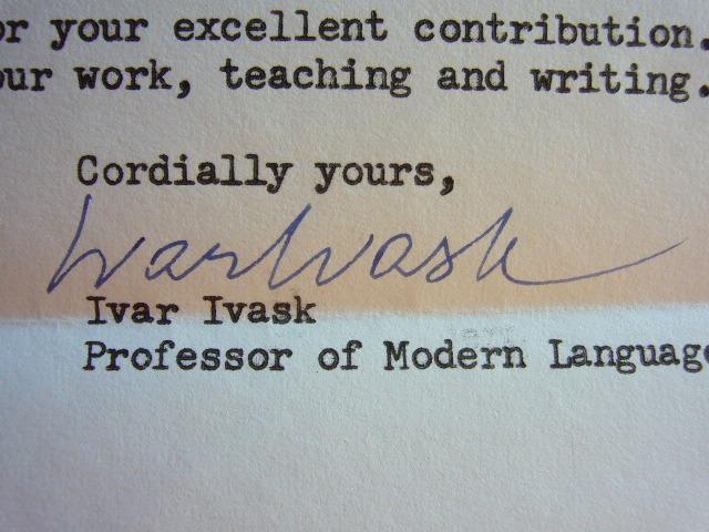 Le poète letton Ivar Ivask loue la poésie de Jorge Guillén.. Ivar Vidrik Ivask (1927-1992) Poète letton, il s'exila aux Etats-Unis en 1949 ; ...