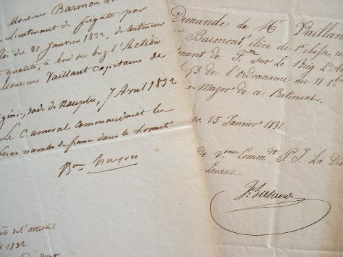 L'escadre du Levant reçoit un nouveau lieutenant de frégate.. Gaud Amable Hugon (1783-1862) Vice-amiral, commandant la Station du Levant.Julien ...