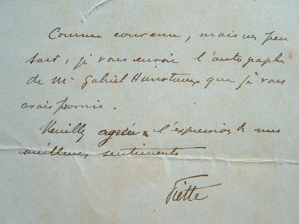 Le dentiste Louis Piette adresse un autographe de Gabriel Hanoteau..