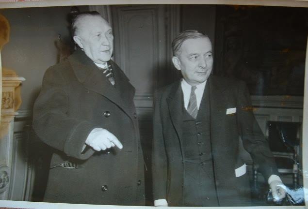 Portrait de Georges Bidault et Konrad Adenauer.. Konrad Adenauer (1876-1967) Chancelier allemand (1949-1963).Georges Bidault (1899-1983) Résistant, il ...