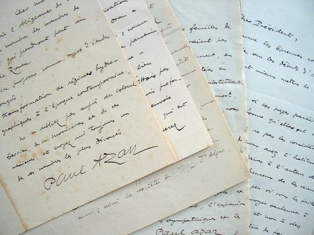 Longue correspondance du général Paul Azan sur l'Afrique du Nord.. Paul Azan (1874-1951) Général de corps d'armée et historien, directeur du service ...