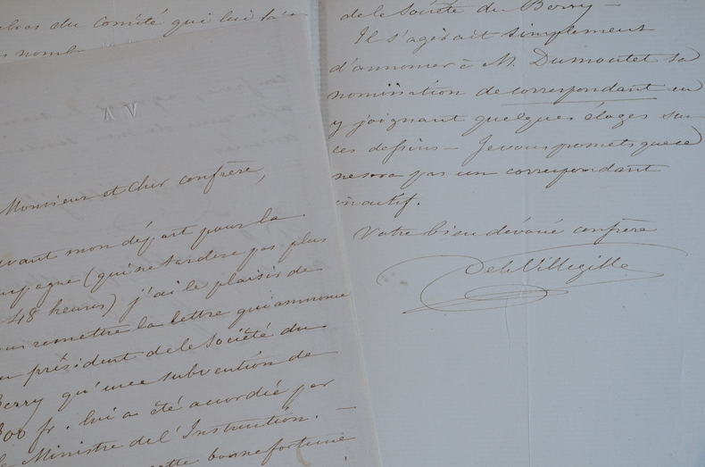 Arthur de La Villegille loue le travail de Jules Dumoutet sur Bourges.. Arthur La Villegille (Nouail de) (1803-1882) Archéologue, président de la ...