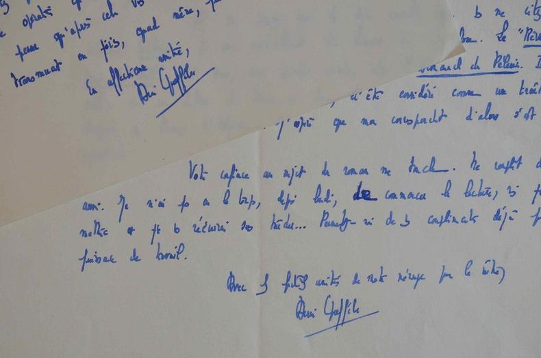 Henri Queffélec veut toucher ses lecteurs.. Henri Queffélec (1910-1992) Romancier catholique breton, grand prix du roman de l'Académie française ...