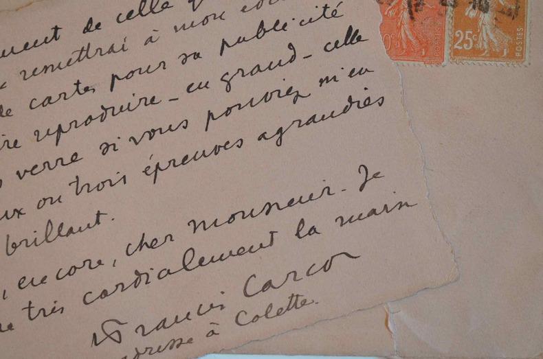 Francis Carco aime le travail du photographe Pierre Auradon.. Francis Carco (1886-1958) Ecrivain et poète. L'Homme Traqué reçoit le grand prix du ...