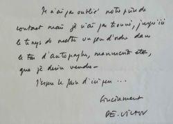 Paul-Emile Victor vend ses autographes.. Paul-Emile Victor (1907-1995) Ethnologue et explorateur.