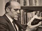 Très beau portrait photographique dédicacé de José Cabanis.. José Cabanis (1922-2000) Romancier et essayiste, prix Renaudot (1966), mainteneur de ...