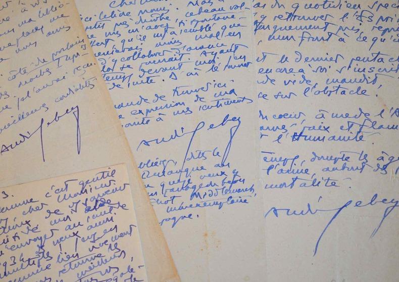 Trois lettres et un poème d'André Lebey à René Billoux, maître-typographe.. André Lebey (1877-1938) Ami de Valéry et Louÿs, il est homme de lettres, ...