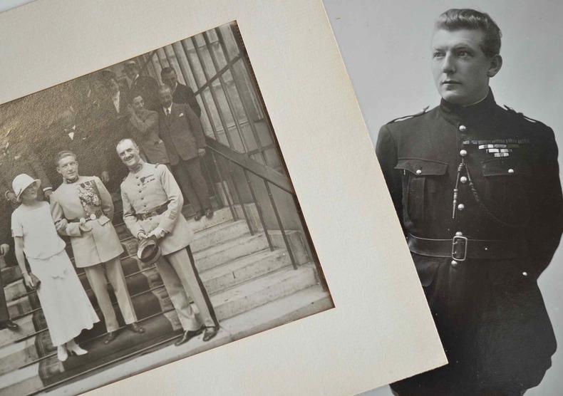 Deux beaux portraits photographiques de Nungesser.. Charles Nungesser (1892-1927) Aviateur, as de la première guerre mondiale, il disparut avec ...