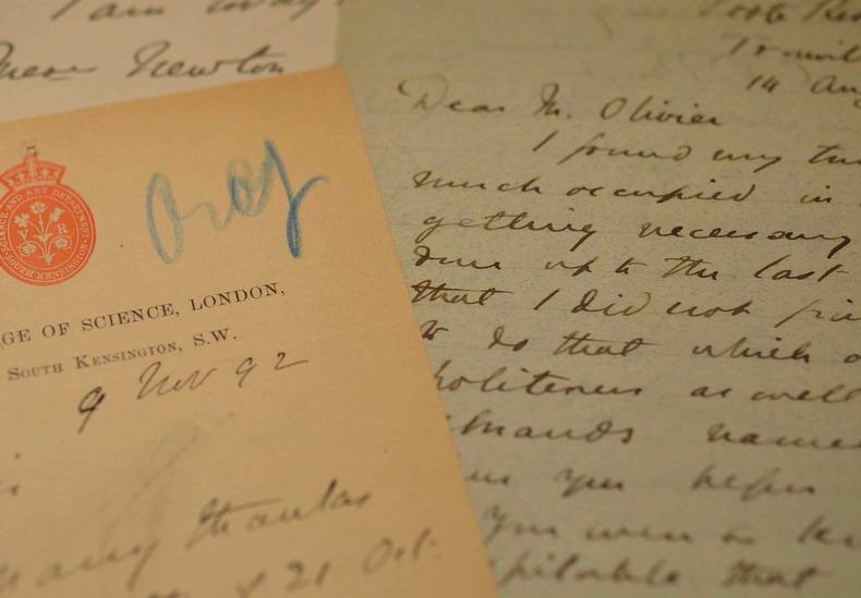 4 lettres du grand physicien britannique, Charles Vernon Boys.. Charles Vernon Boys (sir) (1855-1944) Physicien britannique, membre de la Royal ...