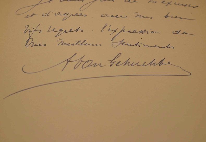 Le neurologue Arthur Van Gehuchten absorbé par ses recherches.. Arthur Van Gehuchten (1861-1914) Neurologue et biologiste, pionnier de la photographie ...