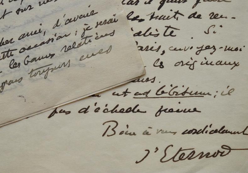 L'histologiste suisse Auguste d'Eternod rédige un article.. Auguste Eternod (D') (1854-1932) Médecin et histologiste suisse, formé à Leipzig, Genève ...