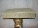 MEDITATIONS sur les Epîtres et les Evangiles du Carême. Paris Hachette 1865. Fort in-12 broché 640pp. Quelques pâles rousseurs par endroits. Bel ...