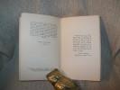 CELLES QU'ON PREND DANS SES BRAS. Trois actes. Notes de Théâtre (I).. MONTHERLANT Henry de