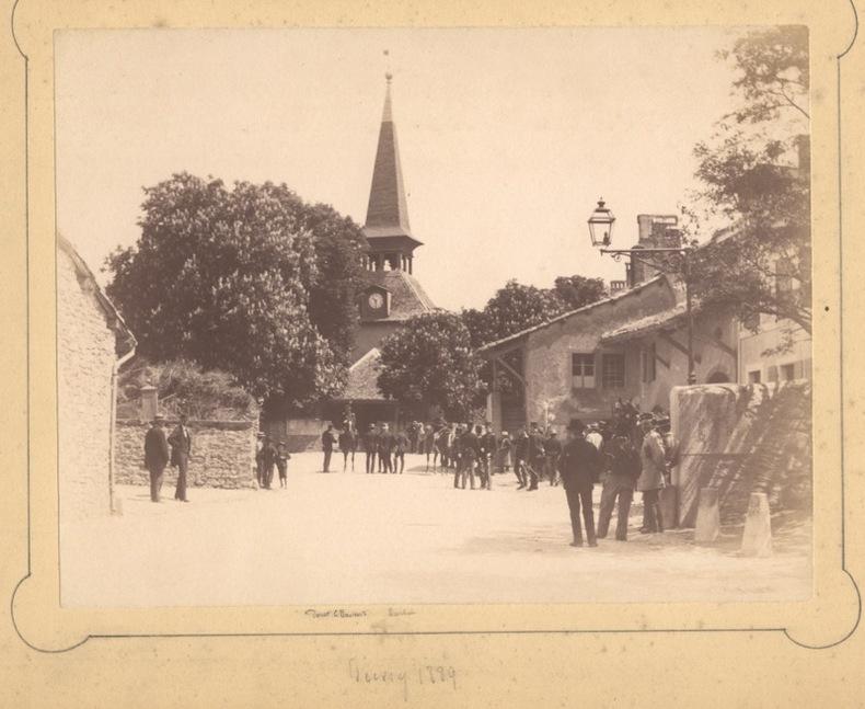 [Militaires devant le temple de Jussy à Genève].. Anonyme: