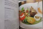 CONFIDENCES GOURMANDES. 2013-2014. Tome 2. Avec des recettes des Chefs des Hotels : DE LA CITE (Carcassonne) - LA CITADELLE (Metz) - LA CLOCHE (Dijon) ...